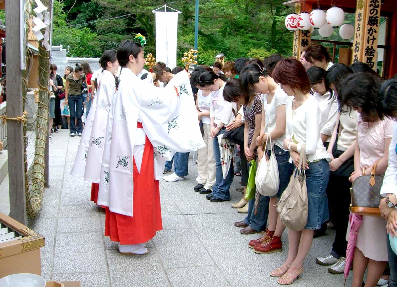 地主神社巫女 神鈴の儀