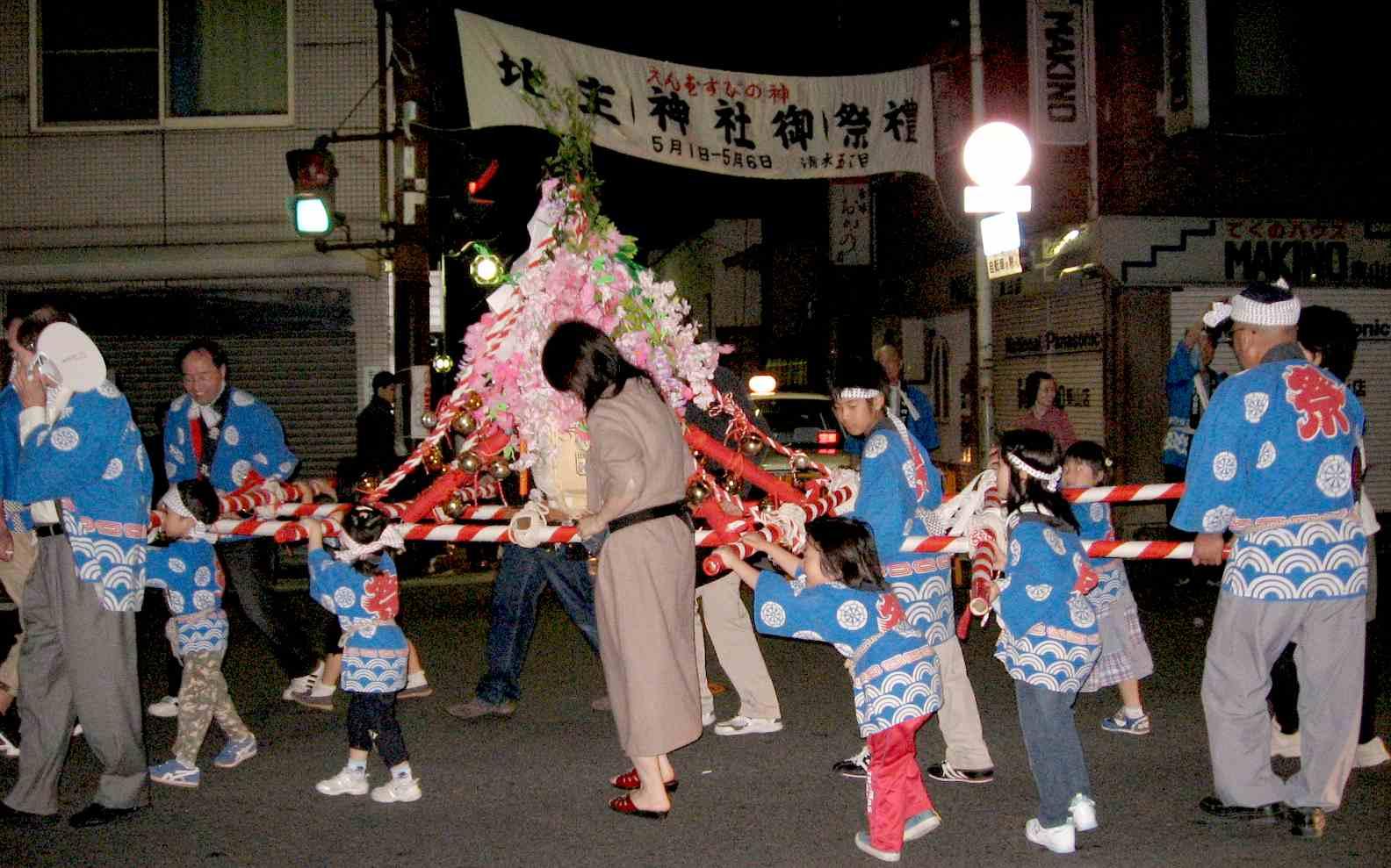 子供みこし 地主神社祭礼