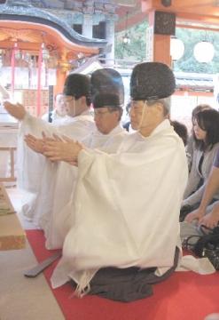 縁結び地主祭り 玉串奉奠